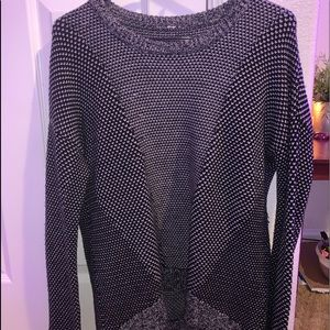 BLACK AND WHITE LULULEMON SWEATER